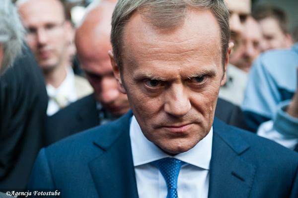 Premier Donald Tusk - Tuskobus, Września (reportaż)