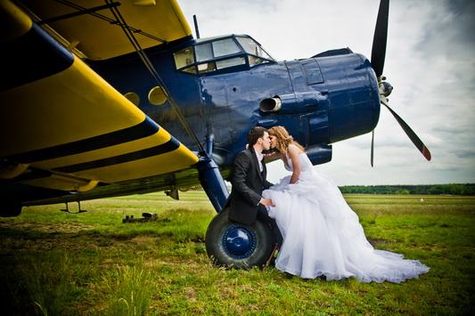 Plener ślubny na lotnisku - Ania i Darek