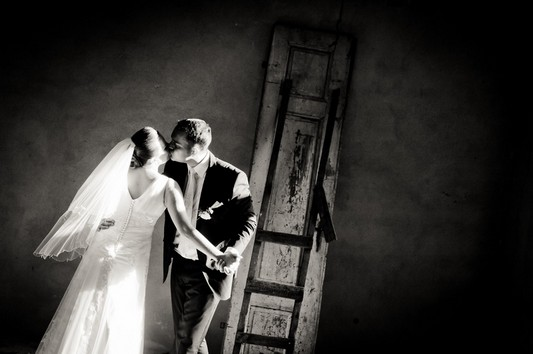Sesja ślubna w nieznanym domu - Ania i Marcin